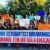 Universitários ocupam prefeitura de Governador em protesto por problemas no transporte