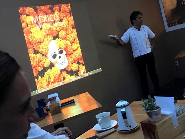 Comparto algunas imágenes de la presentación de mis libros México Alma Natural y El curso de la vida el día 6 de octubre de 2018 en Corazón de Pan en León, Guanajuato, México.   Muchas gracias a Arturo Reyes Becerra por hacer posible el evento, a Corazón de Pan por permitirnos presentar en sus instalaciones y a todos los asistentes a la presentación.