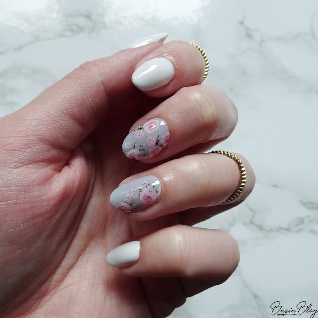 manirouge, naklejki termiczne, ozdoby termiczne, from bloggers with love, kolekcja blogerek, kolekcja blogerska, paznokcie w kwiaty, kwiaty na paznokciach, różyczki na paznokciach, różyczki na szarym tle, szare paznokcie, rose nails, flower nails, floral nails, manirouge basia blog rose