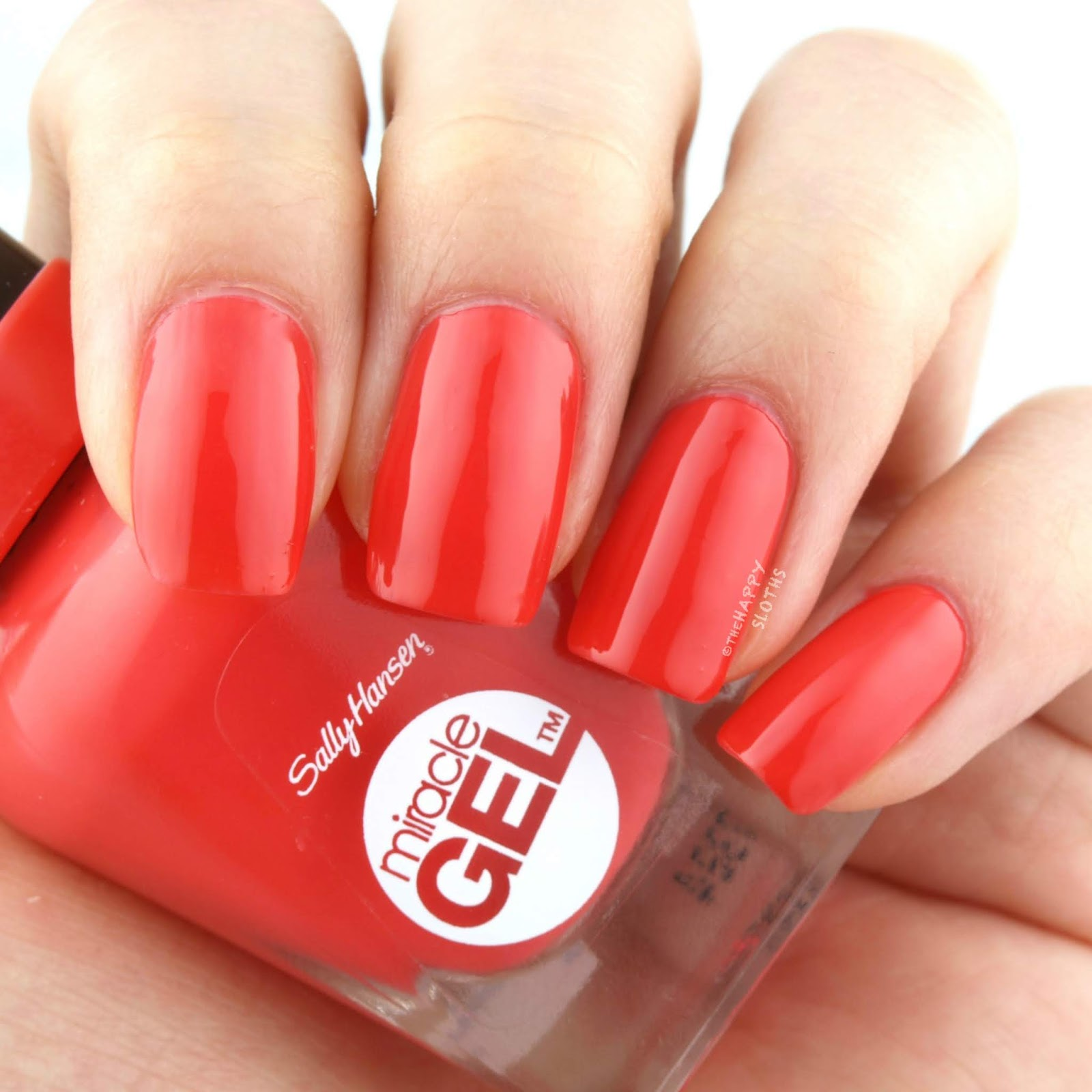 "Sally Hansen | Summer 2018 Collection in ""World Wide Red"": Review and Swatches"