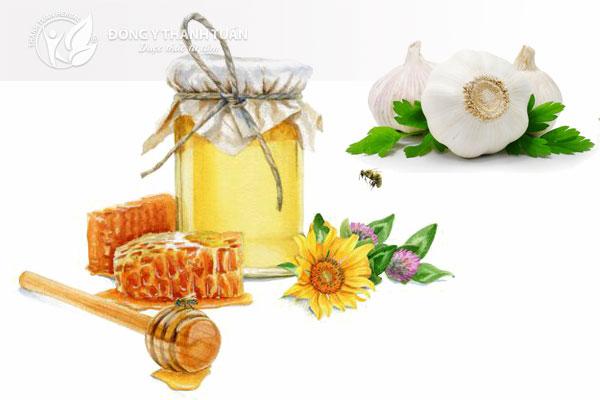 Tỏi và mật ong là  bài thuốc điều trị trào ngược dạ dày hiệu quả