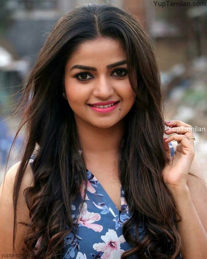 Nandini Serial Actress Nithya Ram's Hot Photos & Spicy Pictures