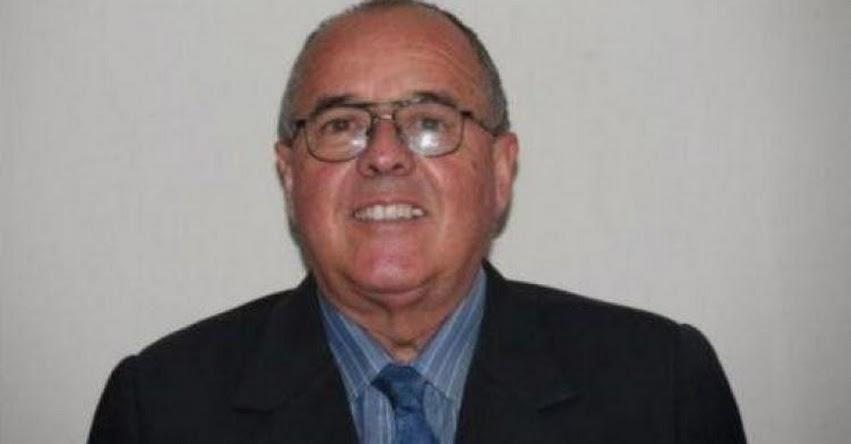 JUAN BOREA ODRÍA: Cuestionado exdirector de colegio devuelve Palmas Magisteriales al Minedu