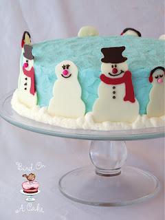 http://birdonacake.blogspot.com/2011/12/snowman-cake.html