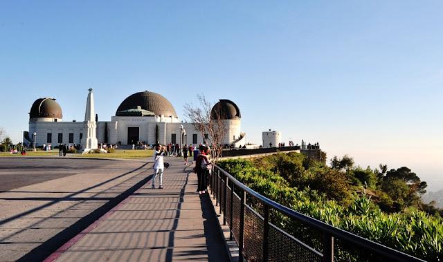 Passeio romântico no Griffith Park em Los Angeles