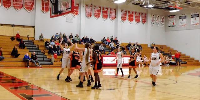 metamora girls basketball try to block