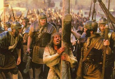 Foto de Jesús cargando la pesada cruz