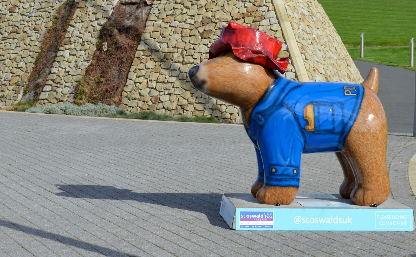 Explore the Great North Snowdogs with Tyne & Wear Metro - Pawdington, South Shields Customs House (sponsored by Tyne & Wear Metro)