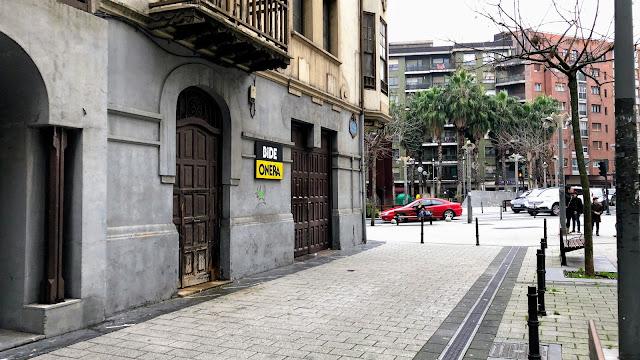 Lateral de la calle Autonomía del edificio de la cooperativa Bide Onera