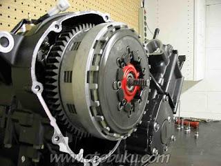 Foto Slipper Clutch Pada Sepeda Motor