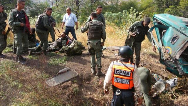 8 Sargentos del ejército heridos tras un volcamiento - Lamentable?
