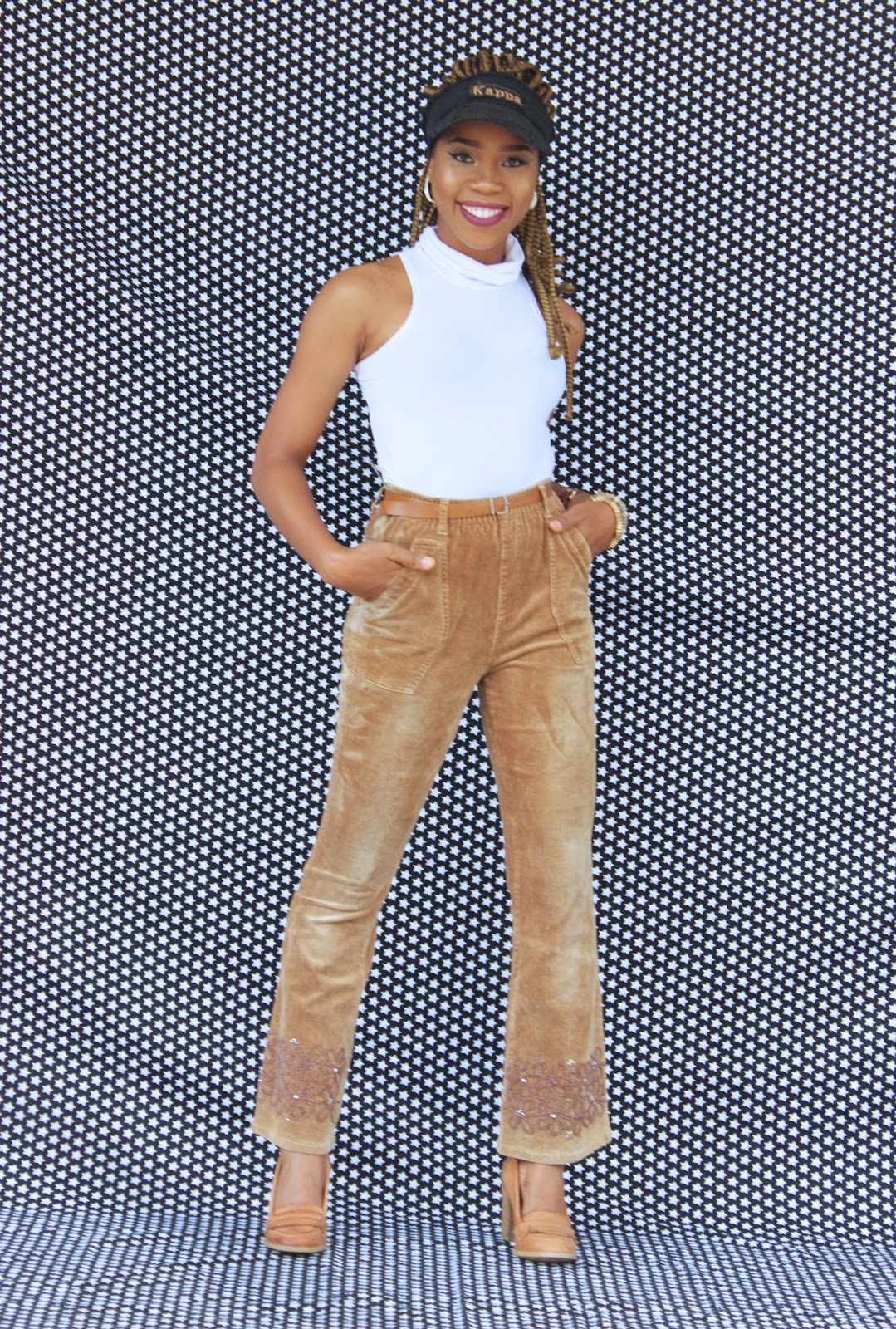 THE TRENDY PANTS MY MAMA LIKED