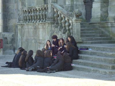 Strój studentów Portugalskich, identyczny jak u bohaterów książki Rowling z serii o Harrym Potterze.