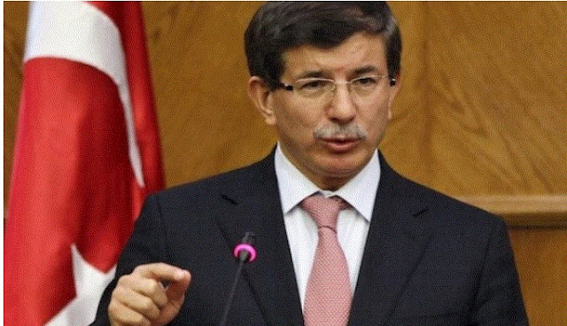 Davutoglu speaking at tetovo university