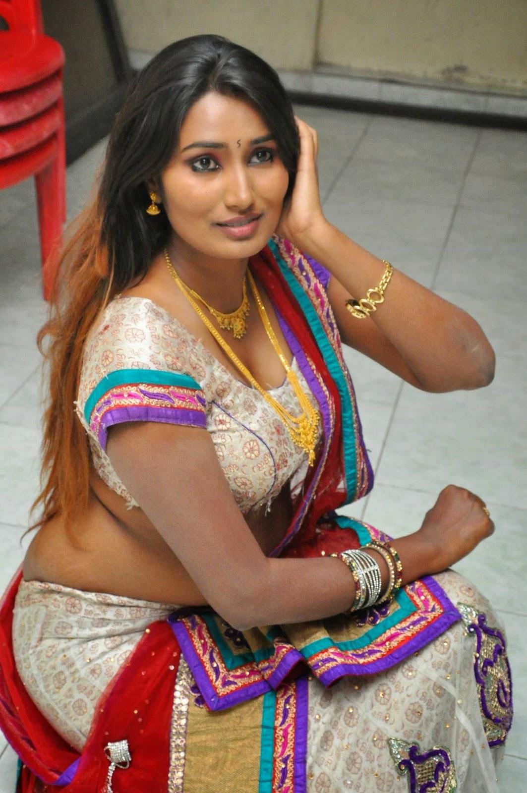Big boob in saree
