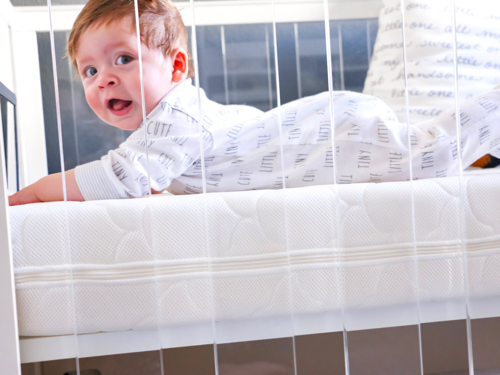 Newton-Baby-Crib-Mattress-Review-Vivi-Brizuela