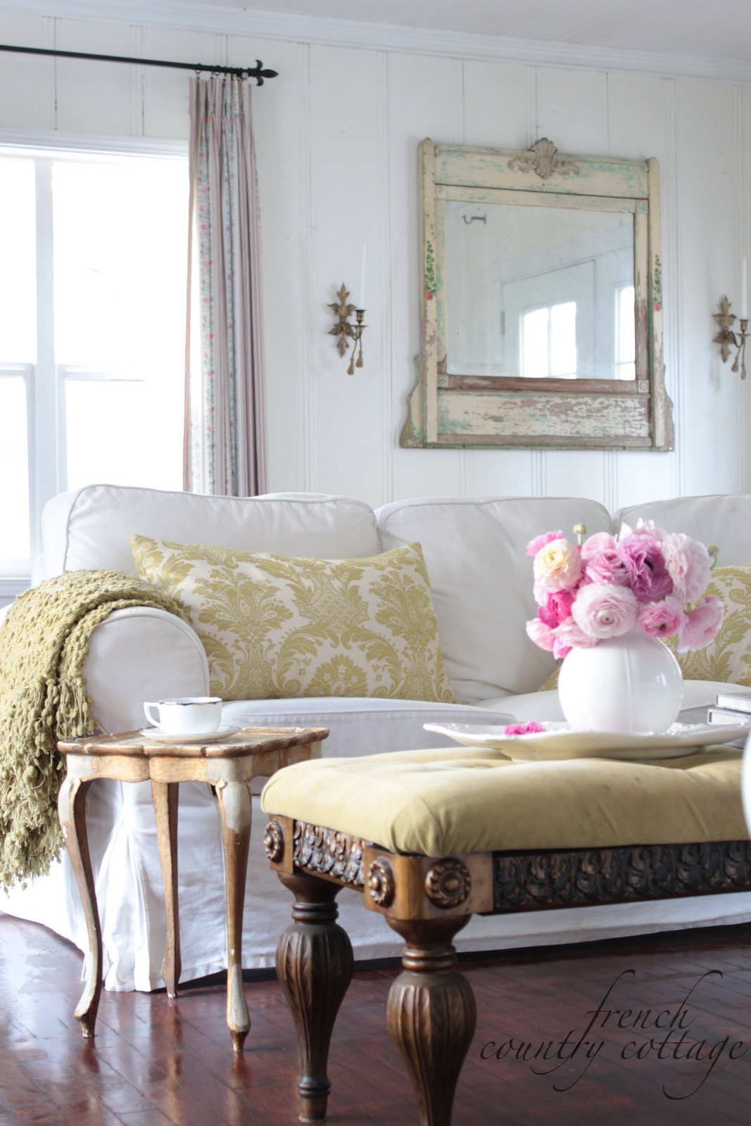 Decorating with dried flowers  FRENCH COUNTRY COTTAGE