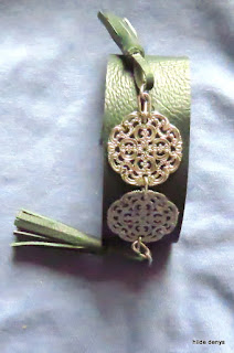 Lovelea's mystery bracelet.