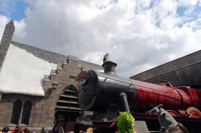 Hogwarts Express and Hogsmeade in USJ