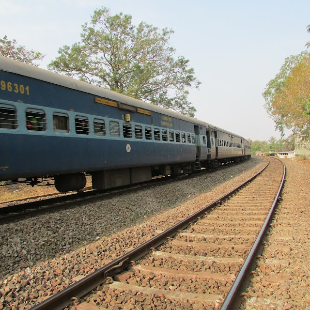 TOP 10 interesting facts about Indian rails.भारतीय रेलो के बारे में 10 मजेदार तथ्य.
