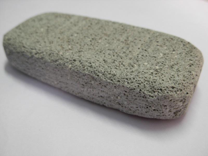استخدام الحجر الخفاف