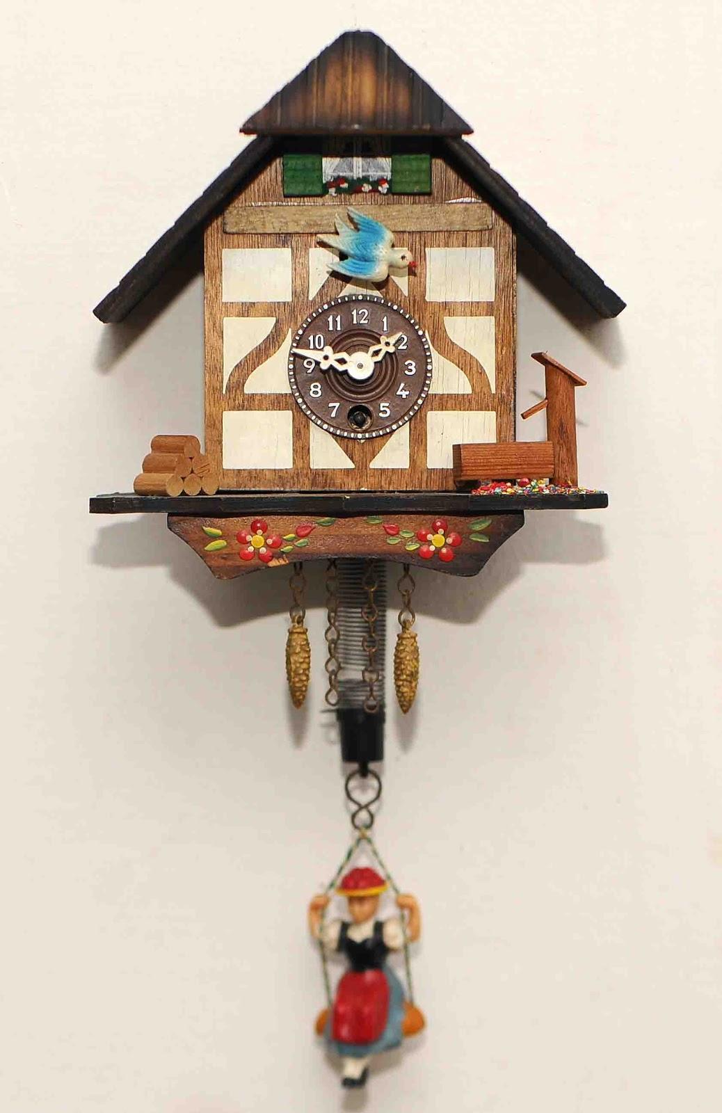 Old Vintage Gallery Mini Cuckoo Clock 2