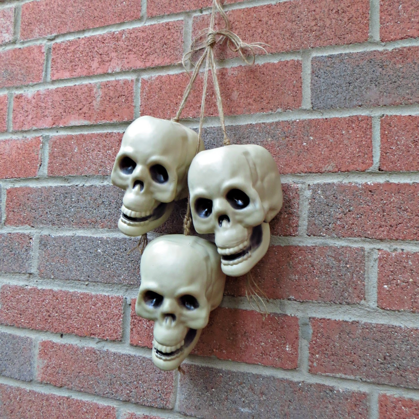 Crafty In Crosby: Take Dollar Tree Skulls From Cheapy To