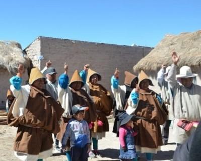 Autoridades de cuarto ayllus de la Nación Indígena Uru Chipaya en Oruro