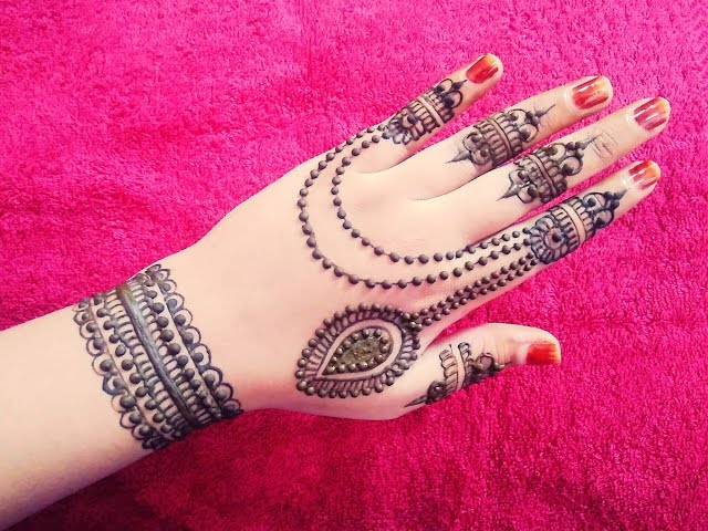 Cute Back Hand Mehndi Designs For Hands