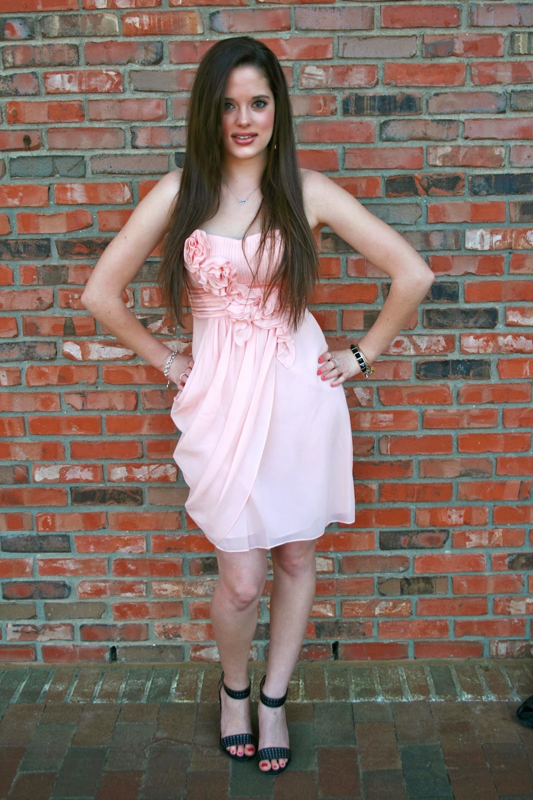 Directional Yet Demure Clothing For The Cool Modern Woman: Kathleen's Fashion Fix: The Modern Lady: V-Day Look #2