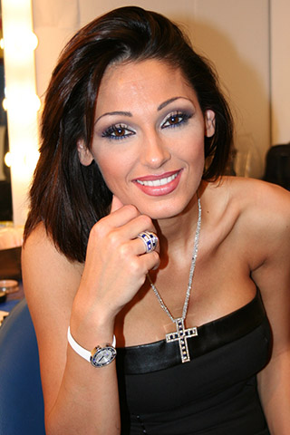 Anna Tatangelo-Smile-Hot-Body-Parts