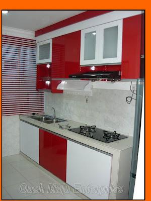 Kabinet Dapur Yang Telah Siap Kombinasi Warna Merah Dan Putih Saya Berharap Agar Client Ini Berpuas Hati Dengan Hasil Kerja Syarikat