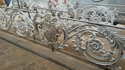 design pagar besi tempa terbaru untuk rumah mewah