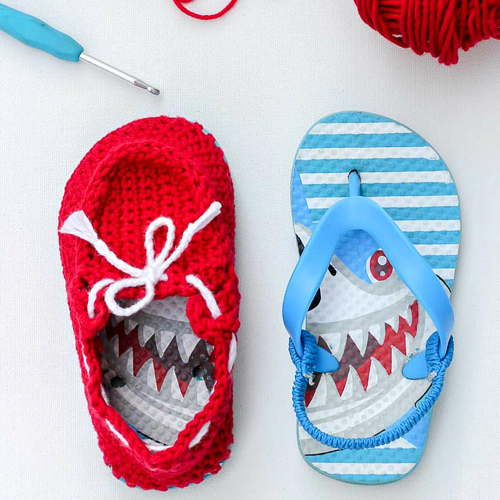 How to crochet kid's boat shoes from flip flops - Free pattern