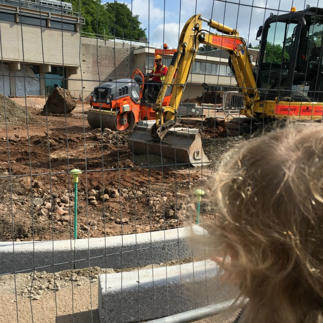 St-Fagans-builging-works-toddler-watching-diggers