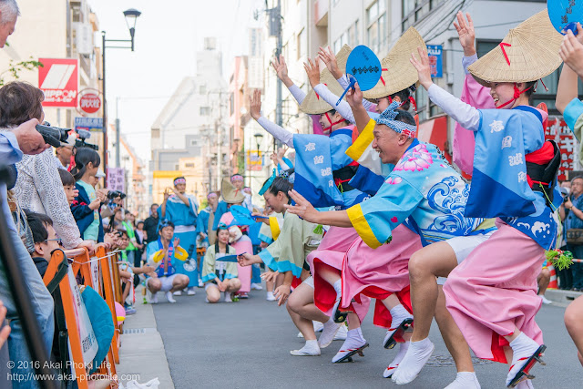 マロニエ祭り、志留波阿連のヒューリック浅草橋ビル前での演舞 その2