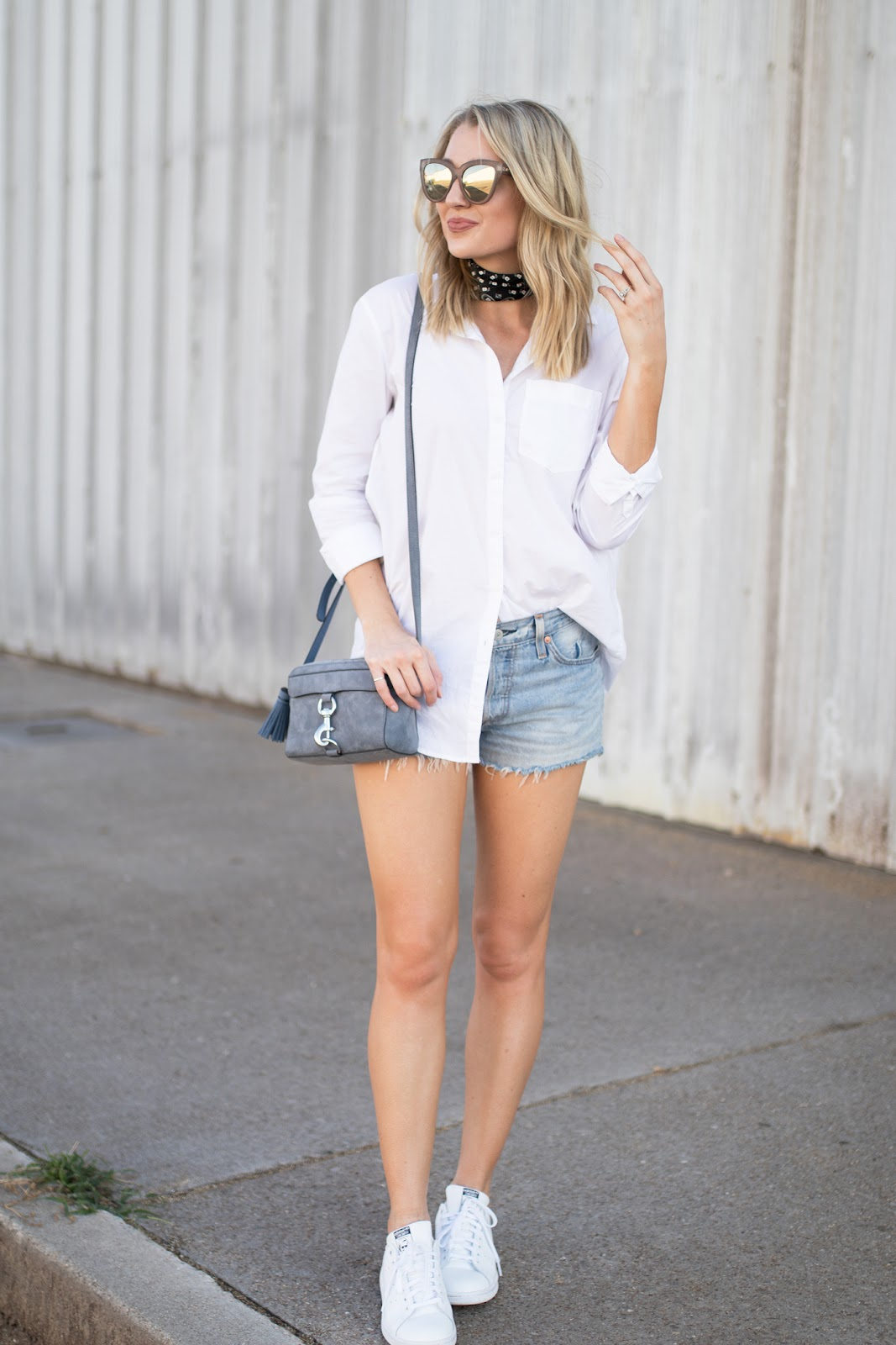 Cute outfit with white sneakers