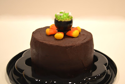 halloween-cauldron-witch-candy-corn-flames-cake-free-tutorial