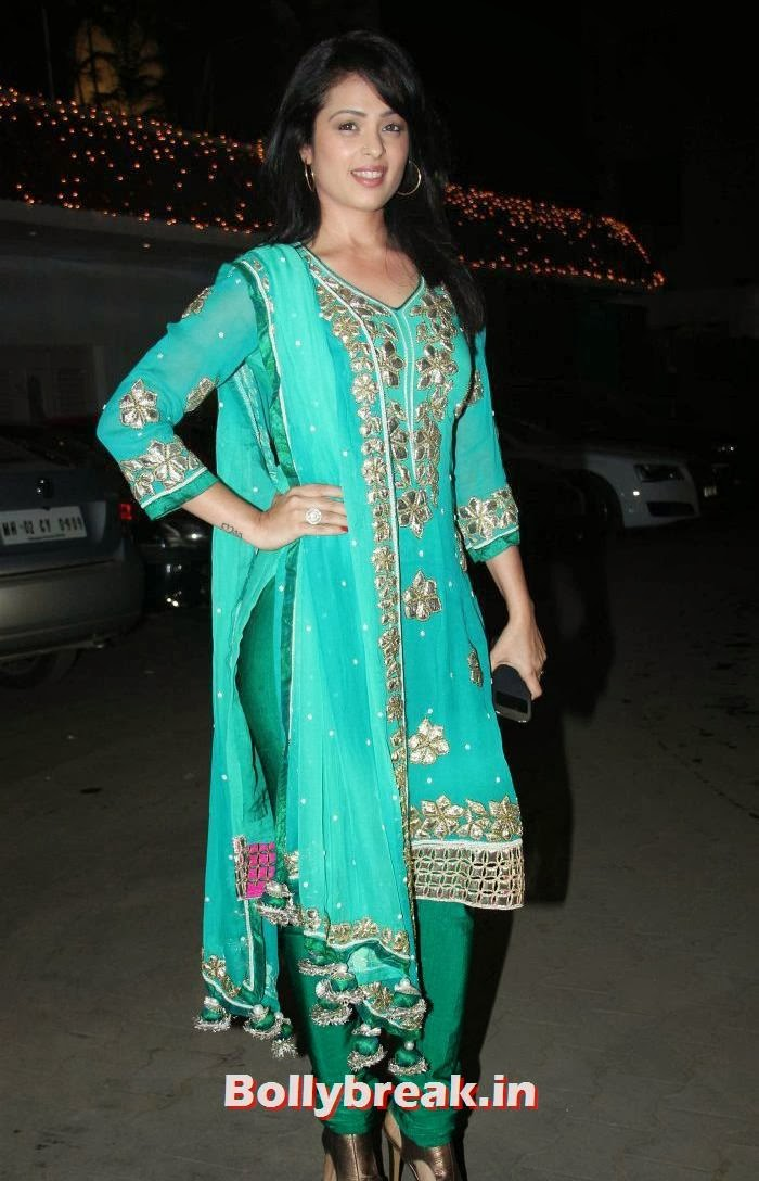 Anjana Sukhani, Who Looked the Hottest at Raghav Sachar - Amita Pathak Wedding?
