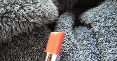 Wardah Exclusive Lipstik No. 41 - Charming Red