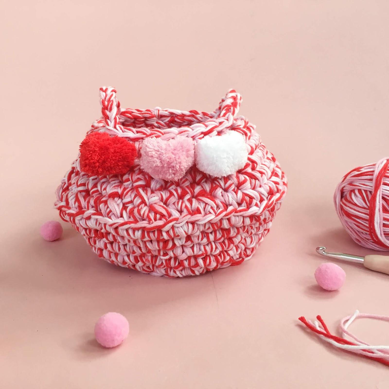 Love Heart Belly Basket - Free Valentine's crochet pattern