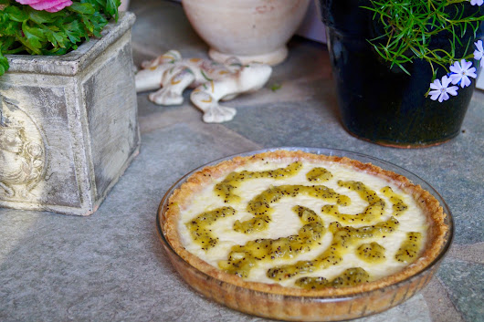 Eat, bake, love - Panna Cotta Tarte mit Kiwi