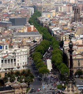 La Rambla, tipica via del centro, zona di passaggio e centrale della città di Barcellona