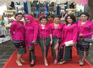 Model Baju Batik Ke Pesta Pernikahan