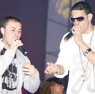 Foto de Magnate y Valentino en el escenario