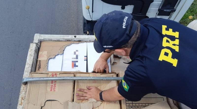 d8f18036e Um caminhão carregado com 3.146 pares de calçados falsificados foi  apreendido pela Polícia Rodoviária Federal (PRF), nesta terça-feira (19),  na BR 423, em ...
