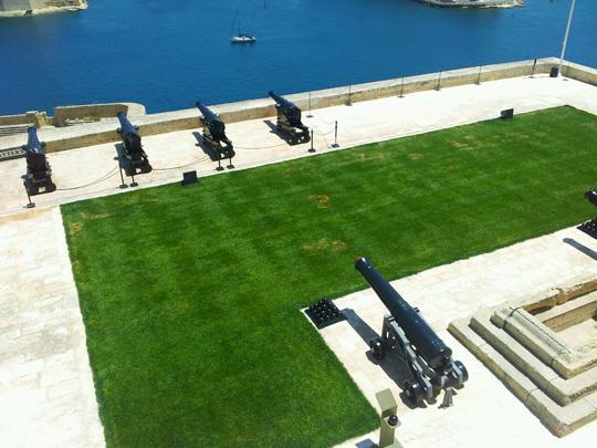 valletta harbour canons malta travel guide
