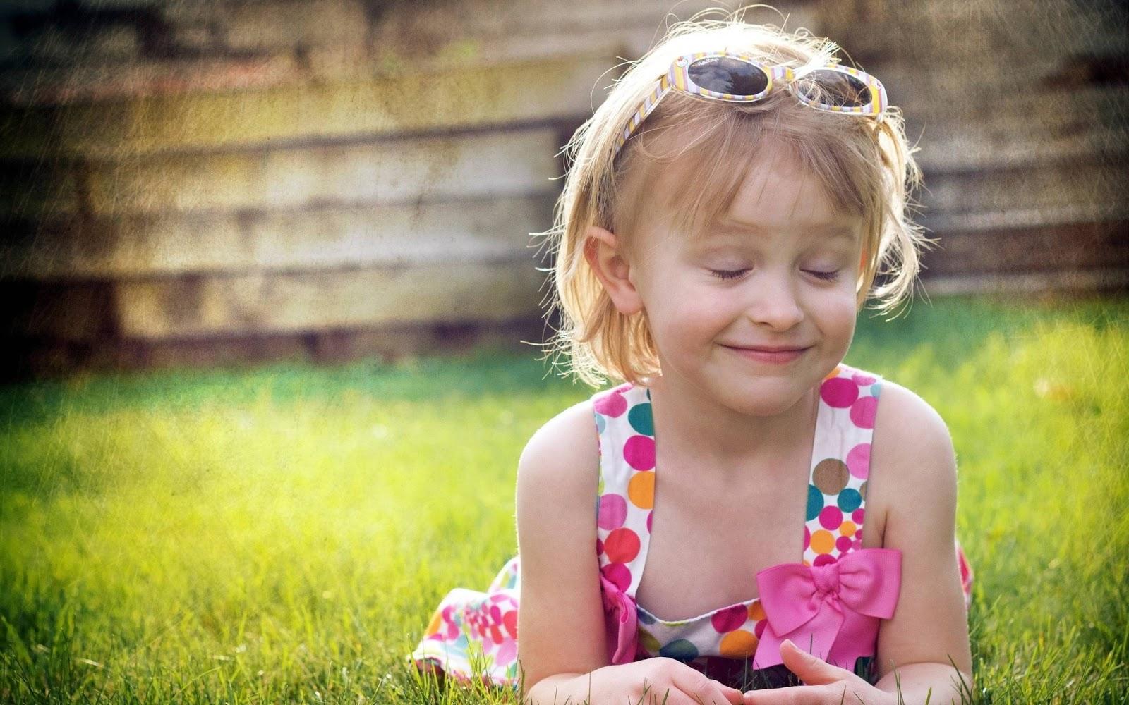 Windows 8 hd wallpapers windows 8 hd wallpapers of kids - Cute little girl pic hd ...