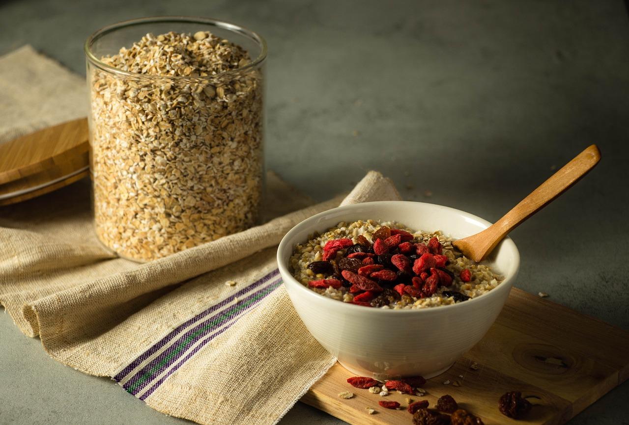 4 Kesalahan Makan Oatmeal yang Bikin Berat Badan Malah Naik