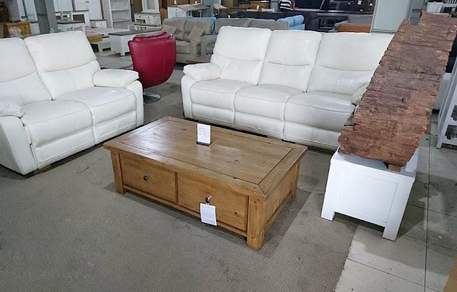 Bàn sofa gỗ thông 2 hộc mộc mạc PK18